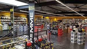 Magasin Equipement Moto : agencement magasin de cycles agencement boutique sport ~ Medecine-chirurgie-esthetiques.com Avis de Voitures