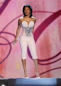 Keyshia Cole Shoulder Length Hairstyles Looks - StyleBistro