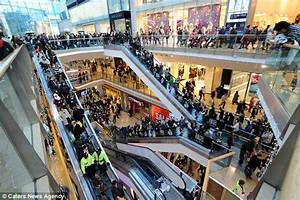 UK stores report busiest day of the year as shoppers snap ...