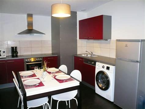 machine a laver dans la cuisine appartement classé 3 étoiles de 60 m pour des vacances à