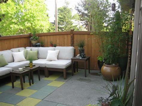 townhouse backyard patio oasis small townhouse backyard turned into an outdoor living space using custom stained