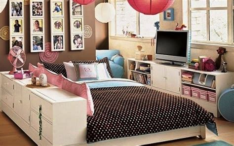 diy bedroom decorating ideas for free standing white frame mirror diy bedroom wall decor
