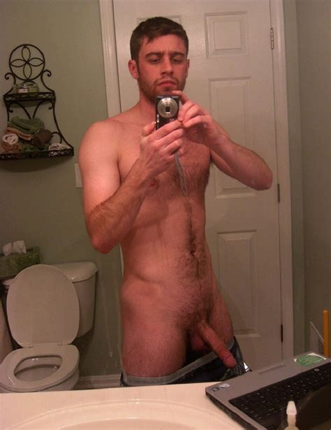 Hunky White Man Large Dick Selfie - Gay Cam Dudes