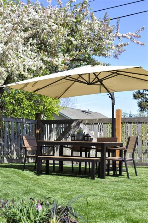 Umbrella Backyard by 17 Best Ideas About Patio Umbrellas On