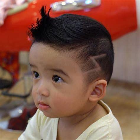 potongan rambut imut  anak laki laki penata rambut