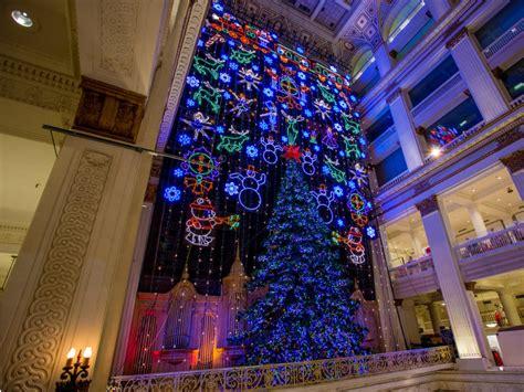 tis  season   holiday happenings  philadelphia