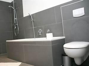 Fliesen Wohnzimmer Ideen : fliesen bad grau kreativ on andere auf badezimmer graue wandfliesen machen es zu einem 3 thand ~ Orissabook.com Haus und Dekorationen