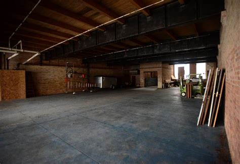 rent garage space to work on car co working center to open in downtown dailyherald