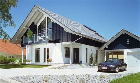 Häuser Mit Satteldach Und Garage by Hochwertige Garen Carports Garagen Carports