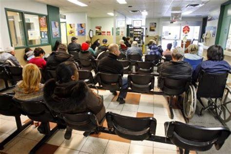 l 201 chelle de jacob une femme d 233 c 232 de dans la salle d attente des quot urgences quot de cochin