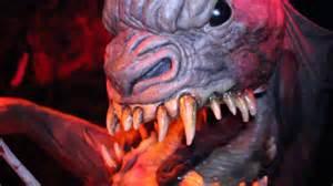 Knotts Halloween Haunt 2015 by Paranormal Inc Haunted House Maze Walkthrough Knotts