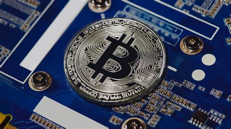 Bitcoin Suddenly Crashes 8% as Momentum Fades After the ...