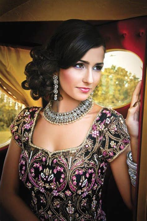 glamorous indian wedding hairstyles pretty designs