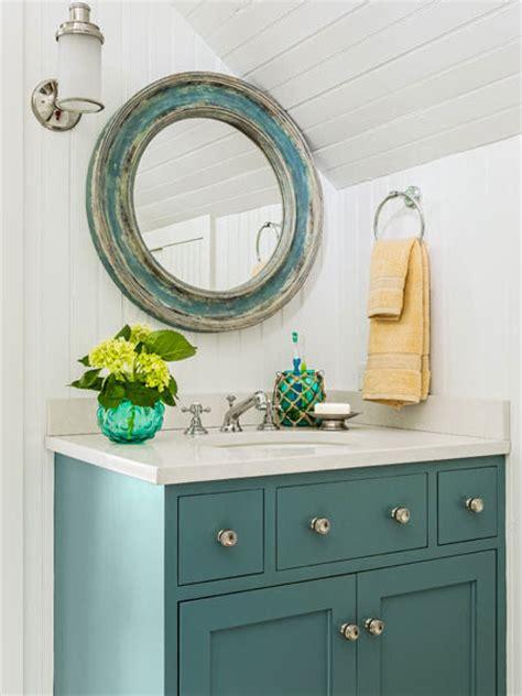paint  vanity  easy updates   builder grade