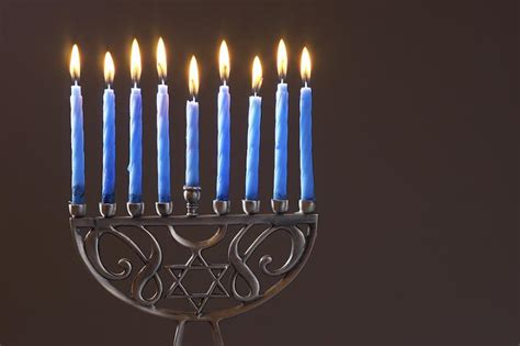 when do you light the menorah 2016 when is hanukkah 2017 hanukkah dates traditions