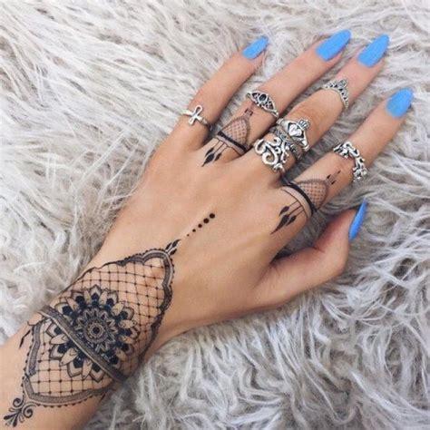 60 diseños perfectos para tatuarte en la muñeca Tatuajes