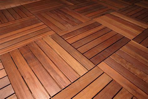 pavimenti per terrazzi esterni pavimenti in legno per terrazzi e balconi listoni e