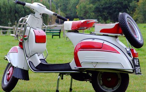 vespa classic scooters classic motorbikes