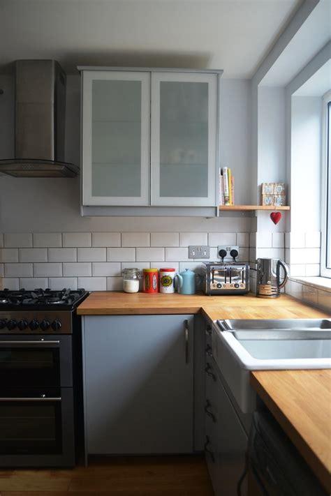 cuisine grise et cuisine gris et bois en 50 modèles variés pour tous les goûts