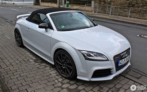 audi tt rs  roadster  march  autogespot
