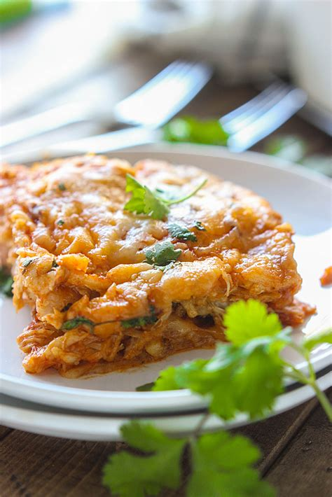 Chicken enchilada casserole recipe is an easy casserole that the whole family will enjoy. Chicken Enchilada Casserole - The Cooking Jar