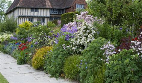 great dixter garden holiday reading ups and downs a life in books
