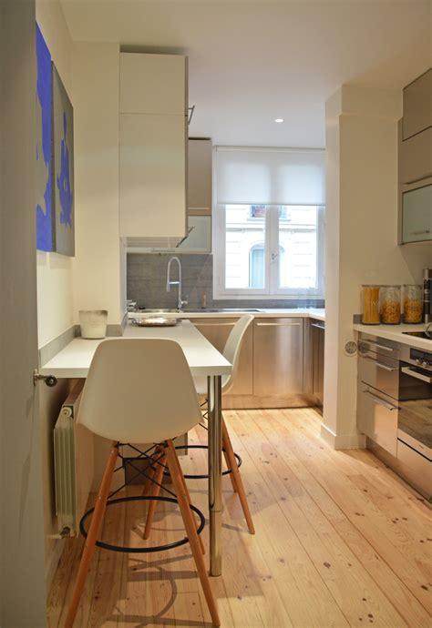 plan cuisine ouverte salle manger meuble haut cuisine bois a quelle hauteur fixer meuble