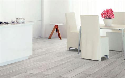 carrelage imitation parquet gris clair carrelage design 187 carrelage parquet gris moderne design pour carrelage de sol et rev 234 tement