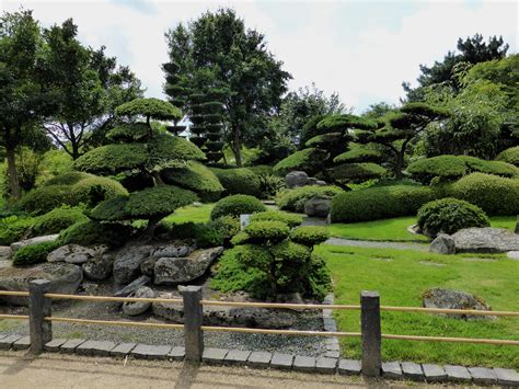 Der Japanische Garten Nachgeharkt