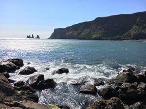 Black Beach Sand - Vik | Travel Blog