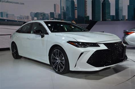 2019 Toyota Avalon Looks Sufficiently Japanese Autoevolution