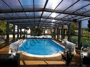 Piscine couverte et chauffee en bretagne le paradis est for Construction piscine couverte chauffee