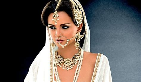 Wedding Jewelry Indian : The Essentials Of Indian Bridal Jewelry