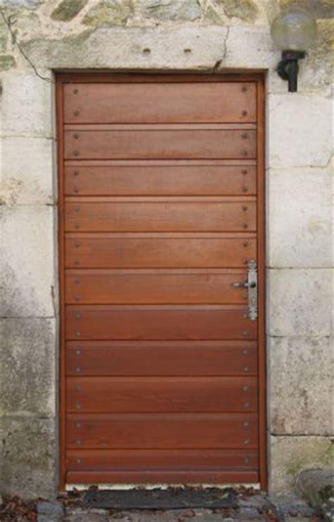 menuisier r 233 alise porte escalier fenetre en bois massif dans le jura et doubs
