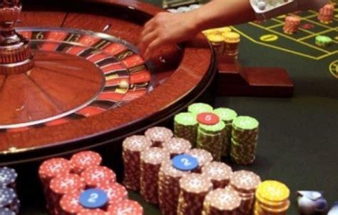 Alarmante, ja sa para lanë shqiptarët nëpër kazino dhe ...