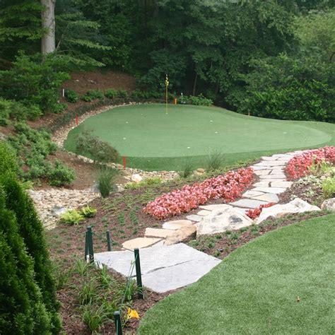 Backyard Artificial Putting Green by Backyard Putting Greens Reviewing Real Vs Artificial