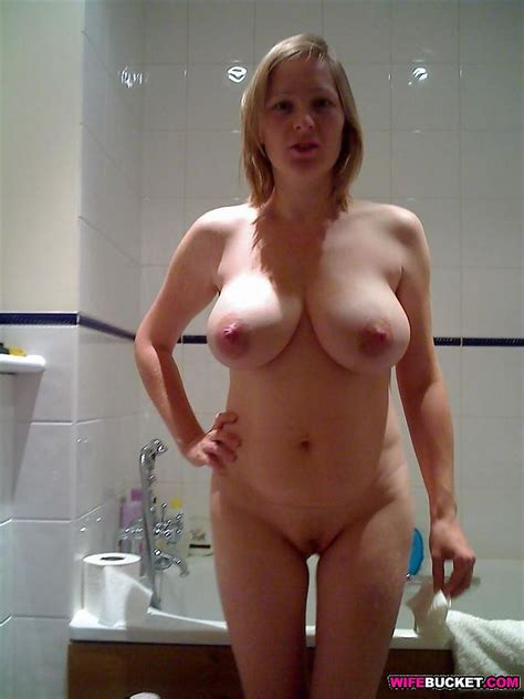 Wifebucket Naked Amateur Wives