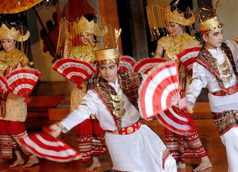sacred movement  melinting dance lampung visit