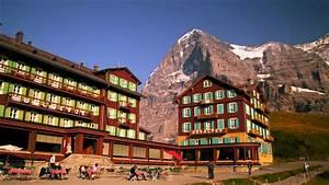 Bellevue Des Alpes : pan of the colorful bellevue hotel des alpes youtube ~ Orissabook.com Haus und Dekorationen