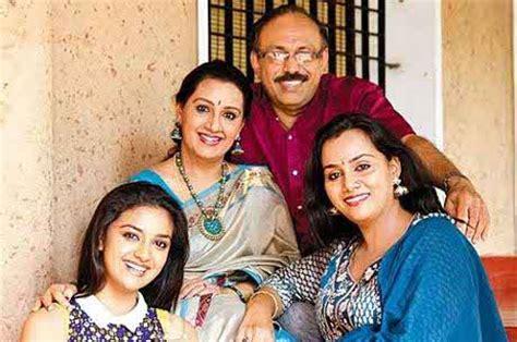 tamil actress keerthi suresh mother photos keerthi suresh biography age images movies dob