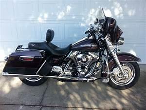 2005 Harley I Road King U00ae  Black Cherry