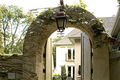 3 courtyard designs southern living