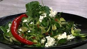 Zucchini Nudeln Schneider : scharfe zucchini nudeln mit feta koch mit oliver ~ Eleganceandgraceweddings.com Haus und Dekorationen