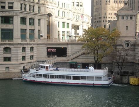 Wendella Boat Tours by Scenic Runway 187 Chicago Boat Tours