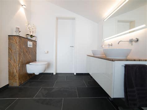 Fliesen Bad 2 by Schiefer Mustang Fliesen In Modernem Badezimmer