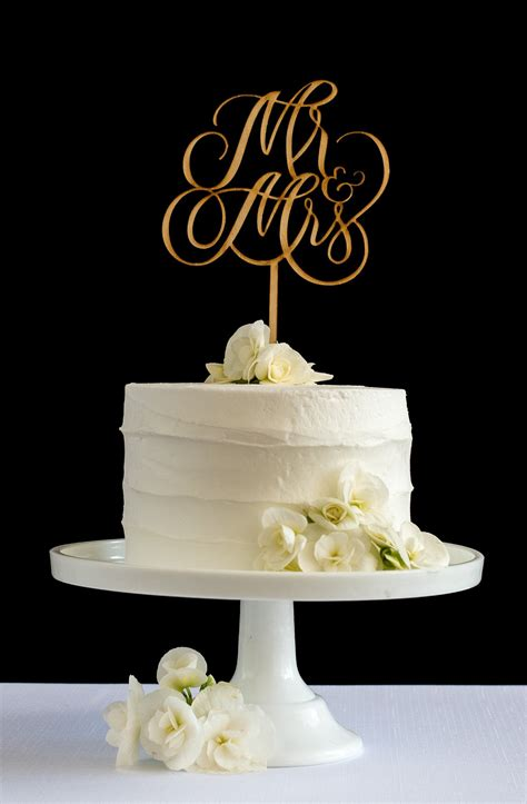 Elegant Mr And Mrs Hand Lettered Cake Topper