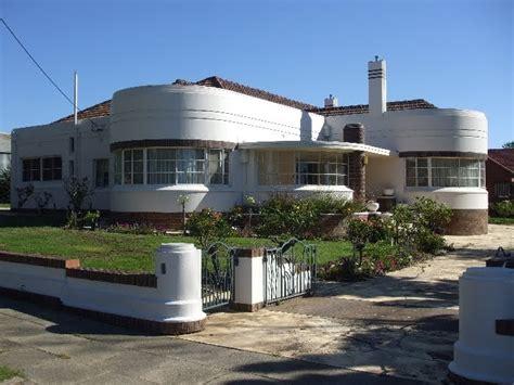taccola streamline moderne house in bendigo