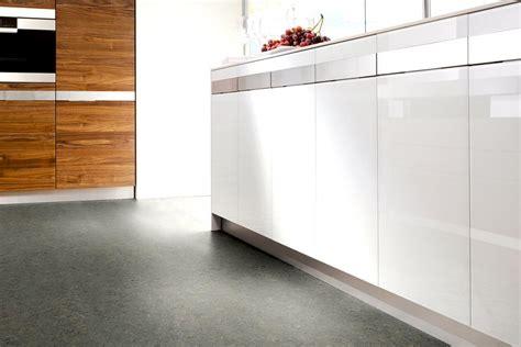 Pvc Boden Nassbereich by Linoleum Bodenbelag Mit Vielen Vorteilen Sch 214 Ner Wohnen