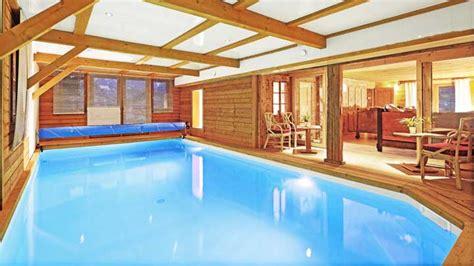 piscine porte de cherret chalet la clusaz chalet spirit pour 12 personnes