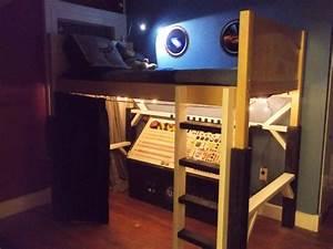 DIY spaceship bedroom is young geek's dream - Geek.com